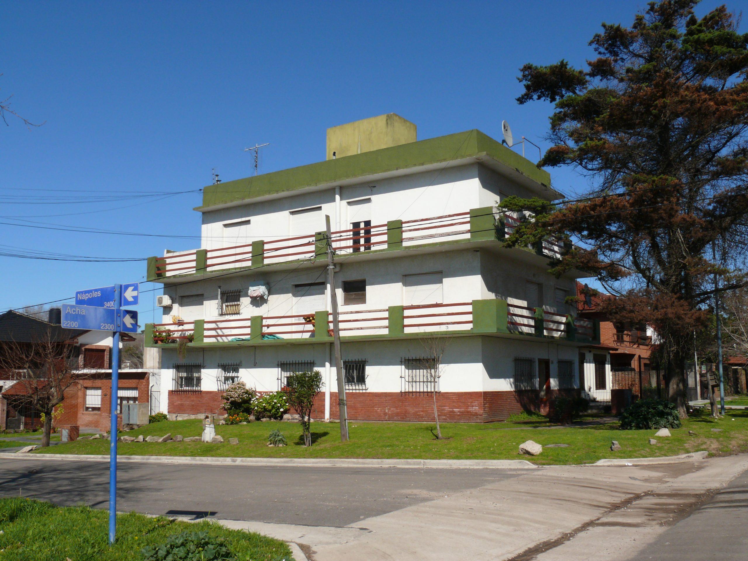 Acha 2300 –Departamento monoambiente – Colinas de P. Ramos